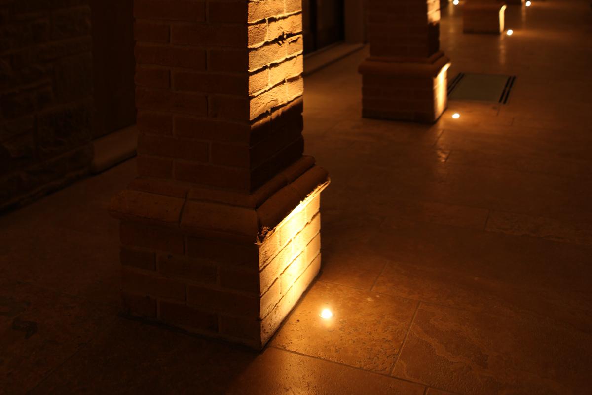 Illuminazione led per portico casa in pietra tecnocavi